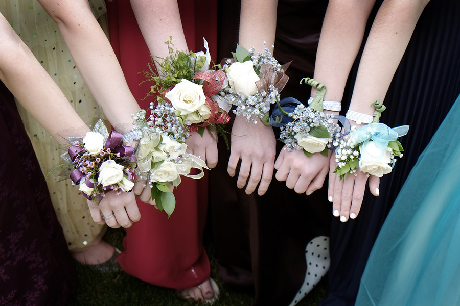 How to plan the school prom
