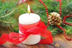 How to raise money this winter! These unique holiday fundraiser ideas can help!