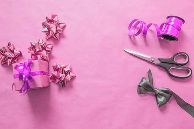 Gift Wrapping Fundraiser Tips